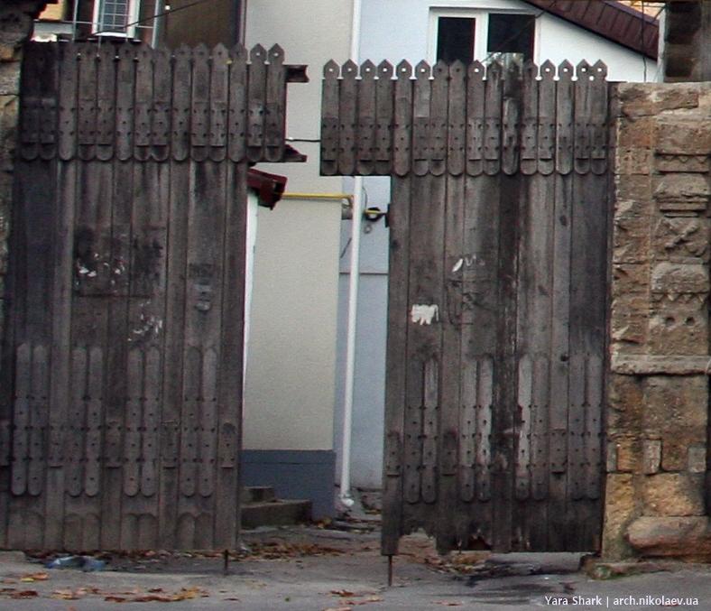 сруб 2010 - ворота